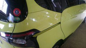 シエンタ経年車、ガラスコーティング艶施工