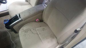車内クリーニング!お子様が色々汚し、奥様…汚くて乗りたくない…旦那様困り…ご依頼